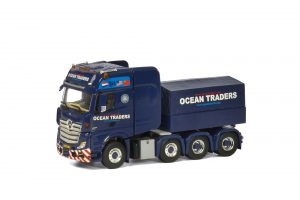 OCEAN TRADERS - Mercedes Actros MP4 GigaSpace 8x4 + Ballast Box