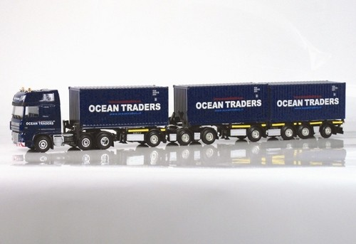 OCEAN TRADERS - DAF XF 105 SSC 6x2 / D-Tec 7 axle Container trailer LHV